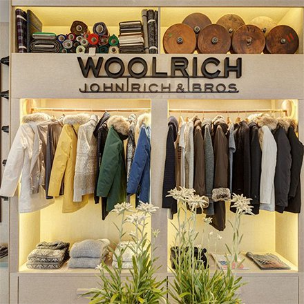 Woolrich Store Cortina