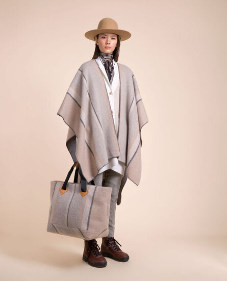 Reversible Cape Look