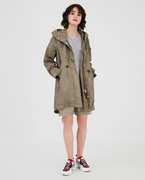 W'S Ridge Over Parka